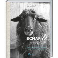 Mensch und Schaf